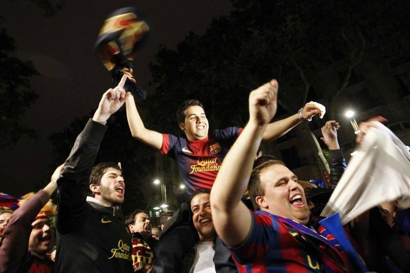 Celebraci&oacute;n del t&iacute;tulo del Bar&ccedil;a en Canaletas