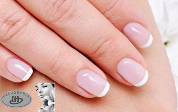 Luce manos perfectas con manicura spa