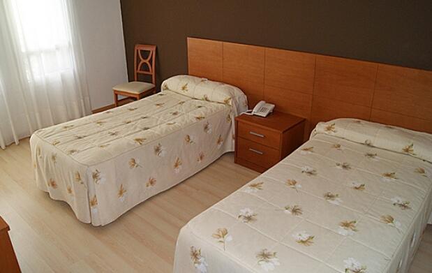 Hotel Sierra de Atapuerca para dos personas