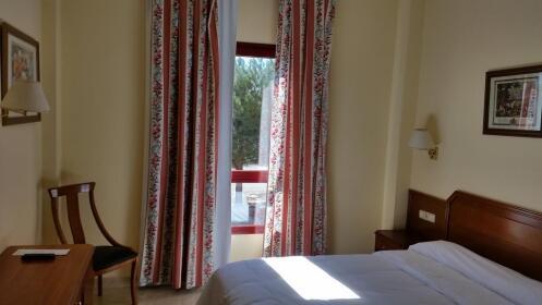 ESPECIAL SAN MATEO   Madrid: hotel 3* + 2 días en parque Warner