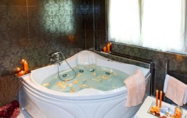 1 o 2 noches en Hotel palacio S.VIII + Cena