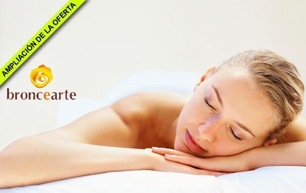 Masaje relajante con aceites calientes