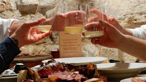 Menú especial de sidrería Casa Armendáriz con vino café y chupito