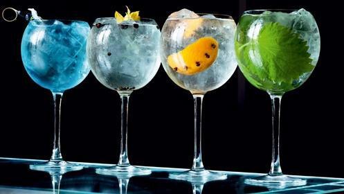 Prueba las mejores copas premium en la terraza del Picasso