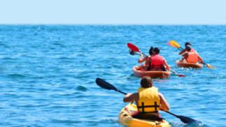 Travesía en kayak por la playa de Poniente para 1 persona