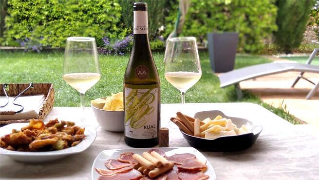 Pon el mejor vino en tu mesa. Tempranillo Blanco 2018 ó Chardonnay Blanco 2018