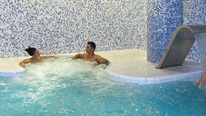 Acceso a todas las instalaciones, derecho a spa y sauna en Spa Columnata