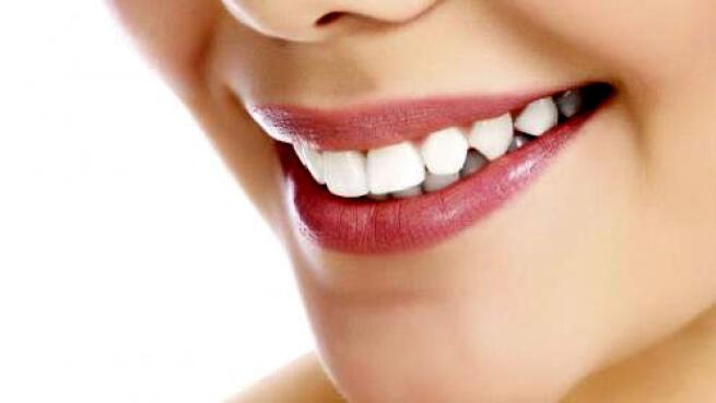 ¡Consigue tu mejor sonrisa con esta revisión y limpieza dental!