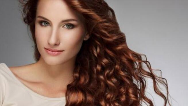Sesión de peluquería personalizada, consigue tu mejor look con Israel Hurtado