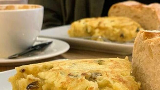 Prueba la deliciosa tortilla de patata del Café Robusta